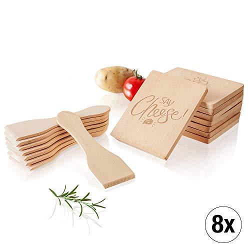 Amazy Raclette-Zubehör-Set 16-teilig inkl. Gratis-eBook – 8 Raclette-Schaber und 8 Pfannen-Untersetzer aus Holz für einen geselligen Abend mit Familie und Freunden